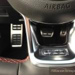 Volkswagen Golf GTI  A7 2.0TSI 230KM autofanspot.pl Performance kierowinica