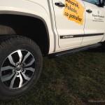 VW AMAROK Canyon autofanspot.pl czarne progi foto