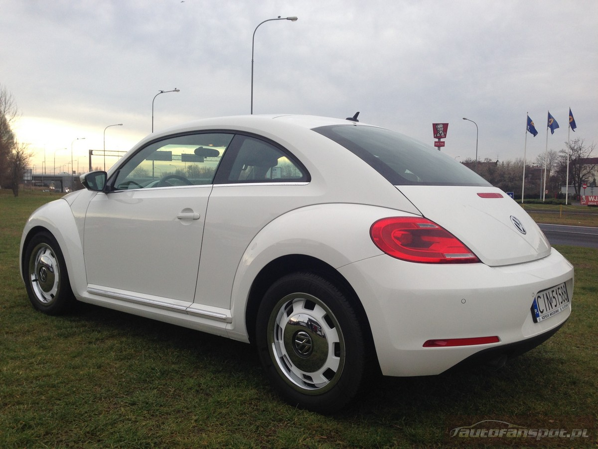 Who Designed The Vw Beetle >> Volkswagen The Beetle Design Circle White 17 autofanspot