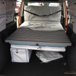 Caddy Maxi Tramper autofanspot.pl łóżko rozłożone foto