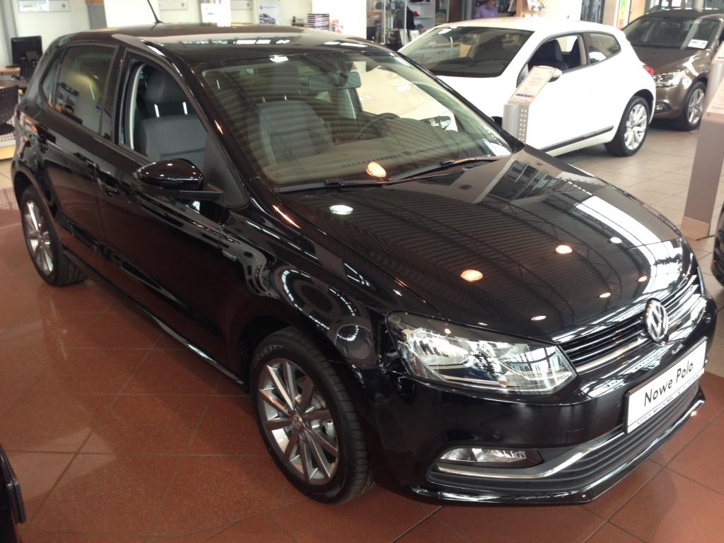 Nowe VW POLO FRESH autofanspot.pl czarne lusterka foto