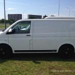 VW TRansporter Edition autofanspot.pl Iczarny pas bok foto